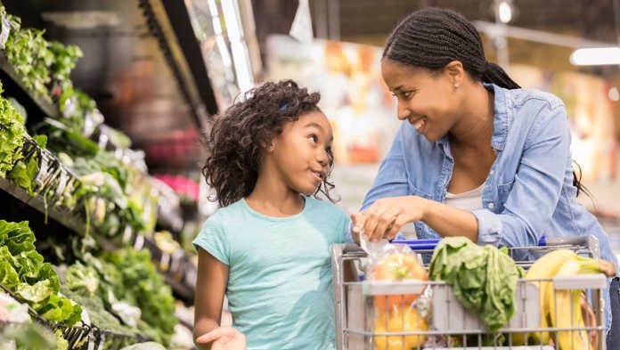 HOW TO EAT HEALTHY WITH YOUR KIDS THIS SUMMER