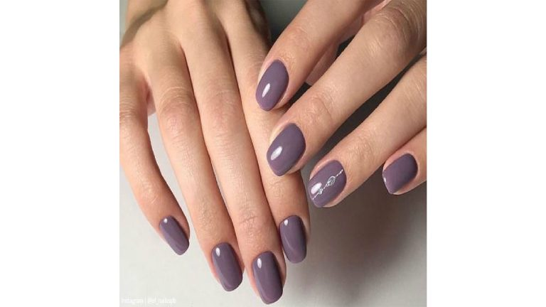 NAILS NAILS NAILS! WHAT TRENDS ARE COMING THIS FALL?